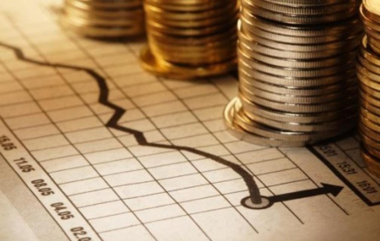 Monedas y gráficos financieros