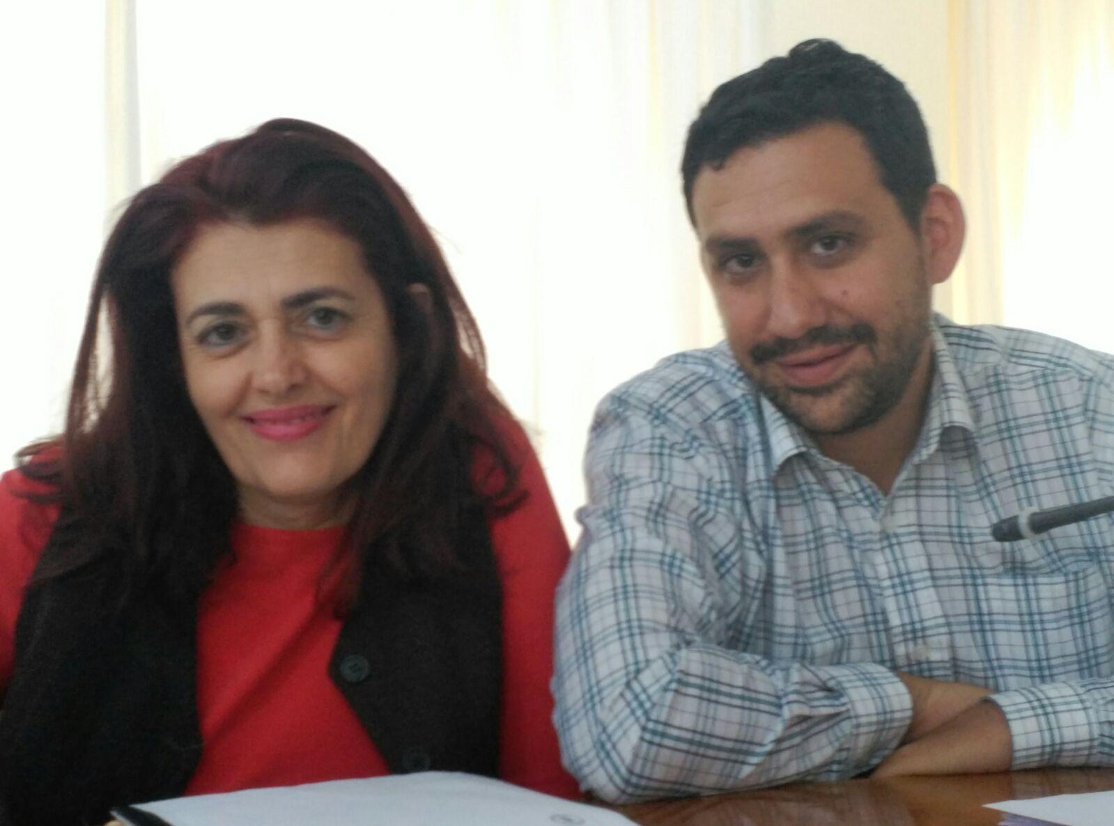 Delia Hernández y Víctor Duque en el pleno de Arrecife