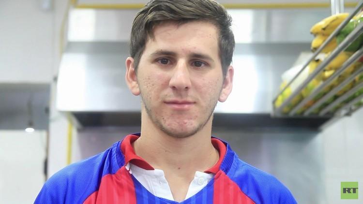 Alexandro Pereira tiene gran parecido con Lionel Messi