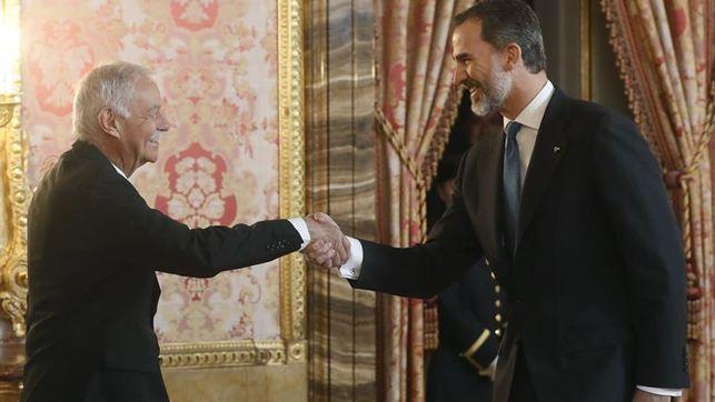 Eduardo Mendoza y Felipe VI