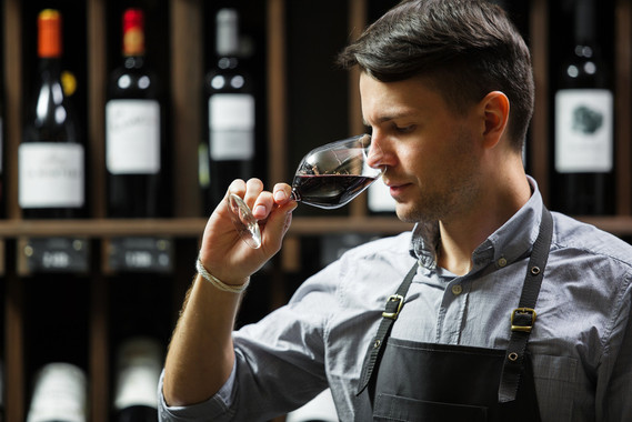 Cata de vino con el sentido del olfato