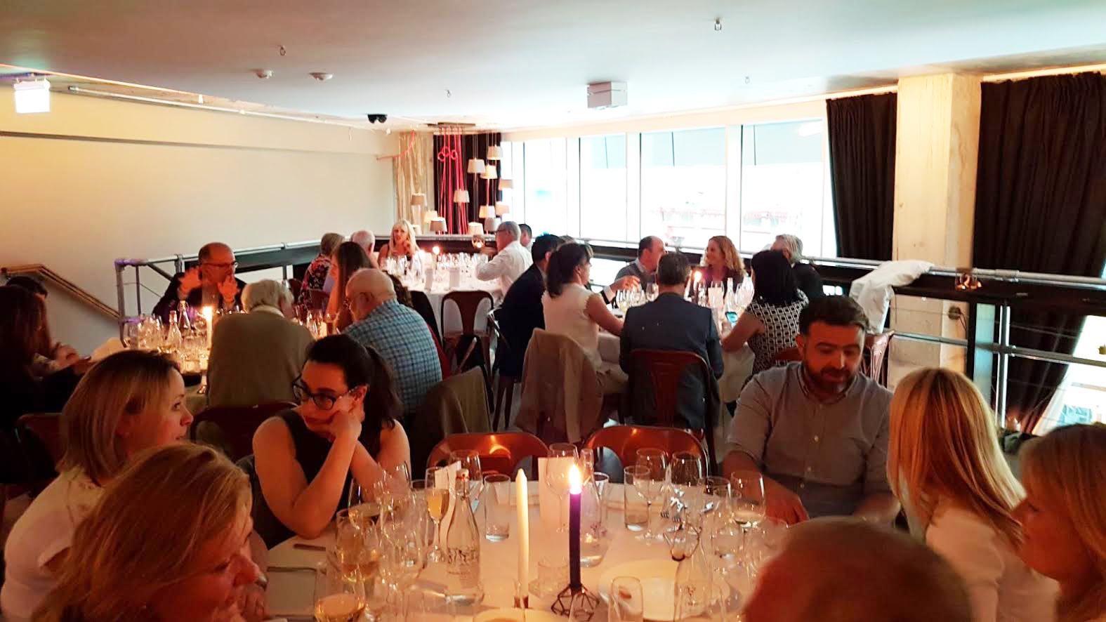 Cena en Dublín
