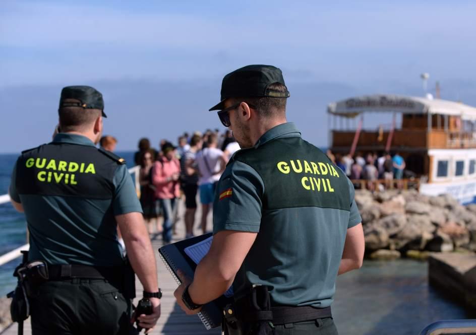 Dos guardias civiles