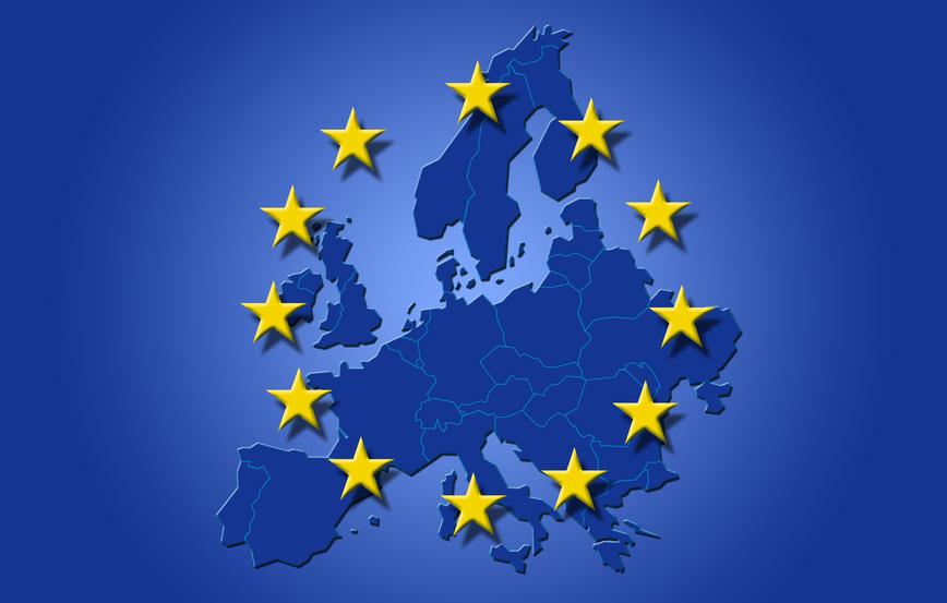 Mapa de europa con las banderas de la UE