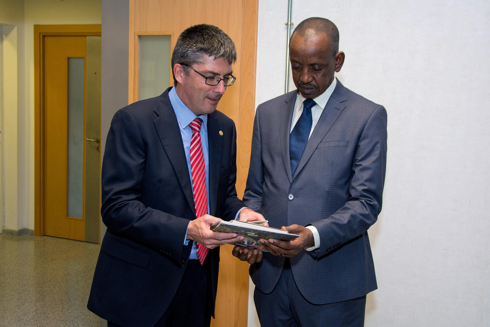 El embajador de Senegal visita la ULPGC