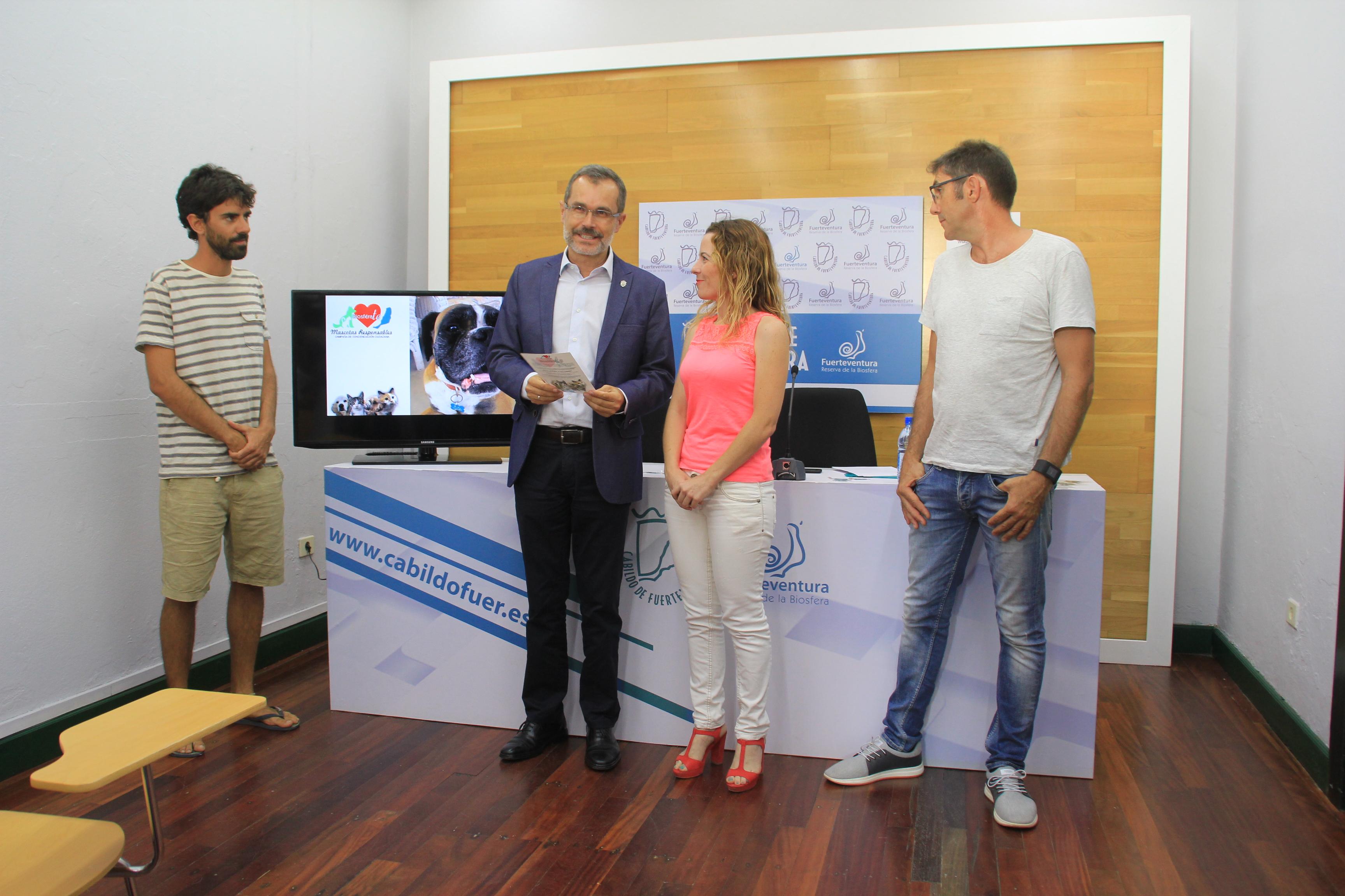 Presentación de la campaña de mascotas de Fuerteventura