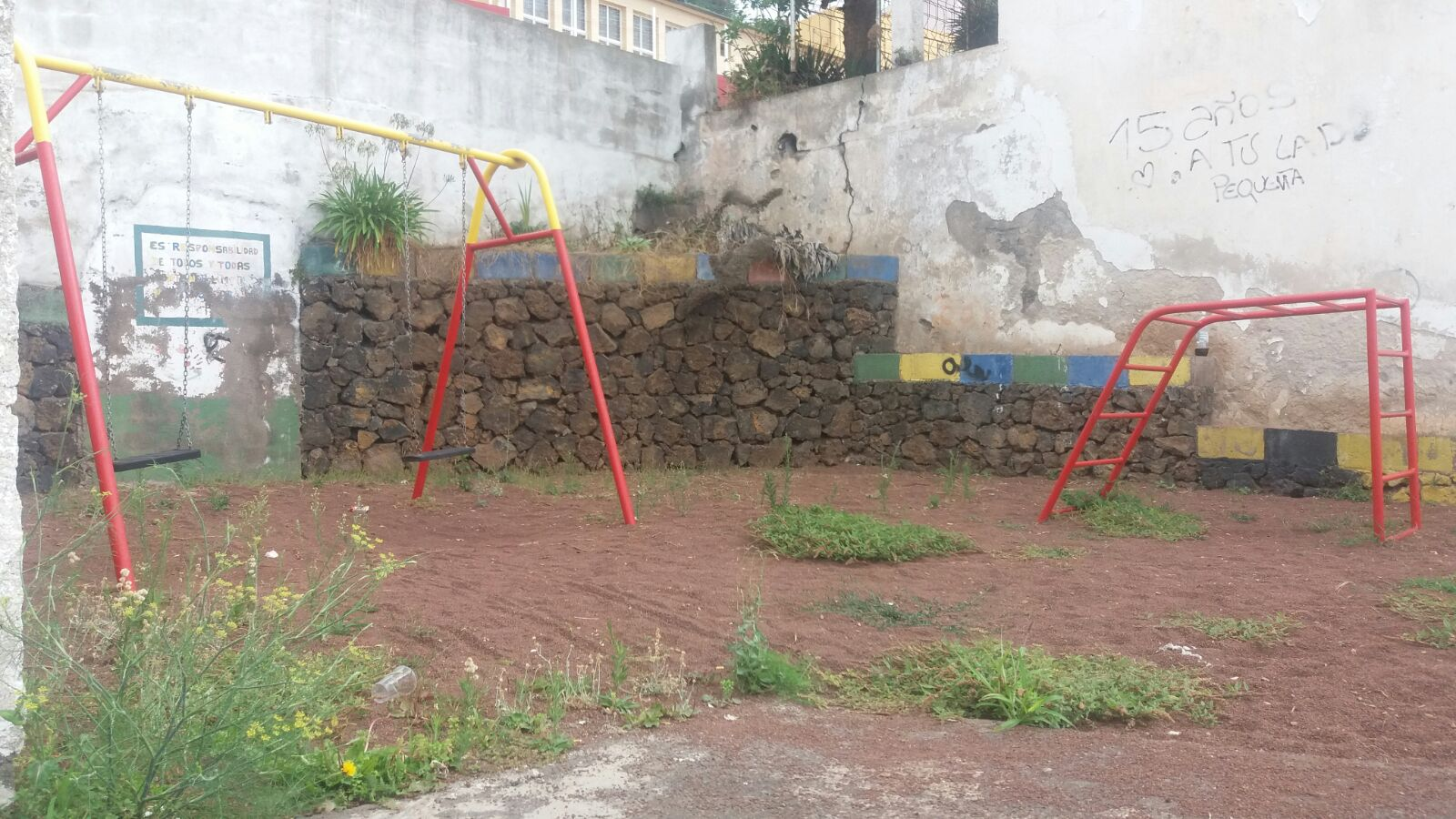 Parque infantil en la Corujera