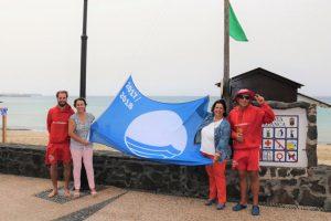 Bandera azul en Playa Blanca