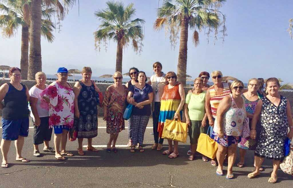Los mayores de Salud-La Salle disfrutan de actividades en la playa ...