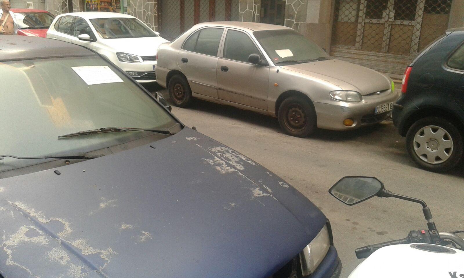 El PP denuncia el incumplimiento del Tripartito de retirar los vehículos abandonados en las calles