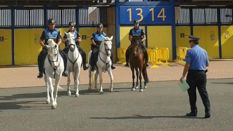 Agentes de la Policía Local patrullarán a caballo en los partidos de fútbol de la UD Las Palmas