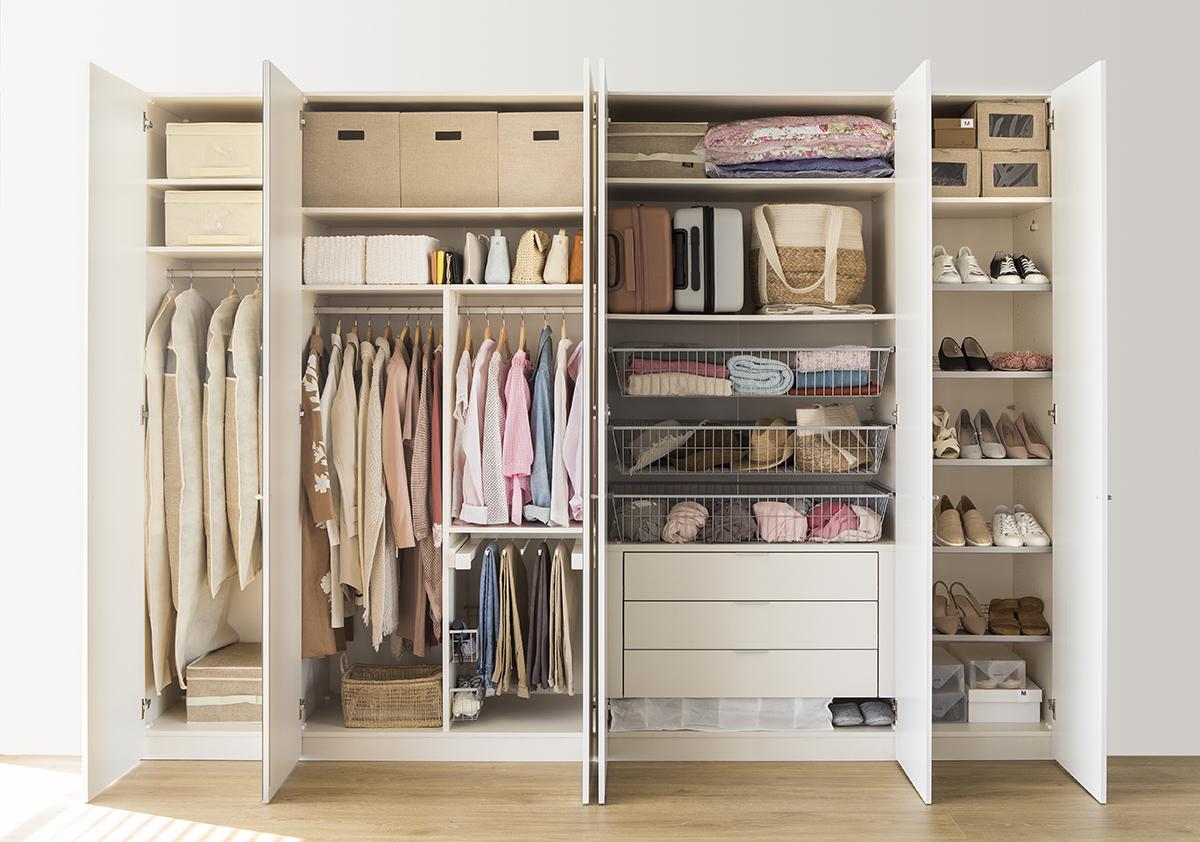 C mo ordenar tu armario con el m todo de marie kondo canarias noticias - Como ordenar tu armario ...