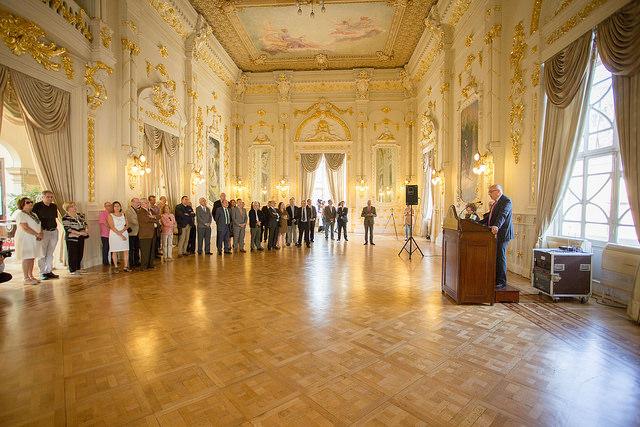 El Gabinete Literario de Gran Canaria estrena la restauración del parqué del Salón Dorado
