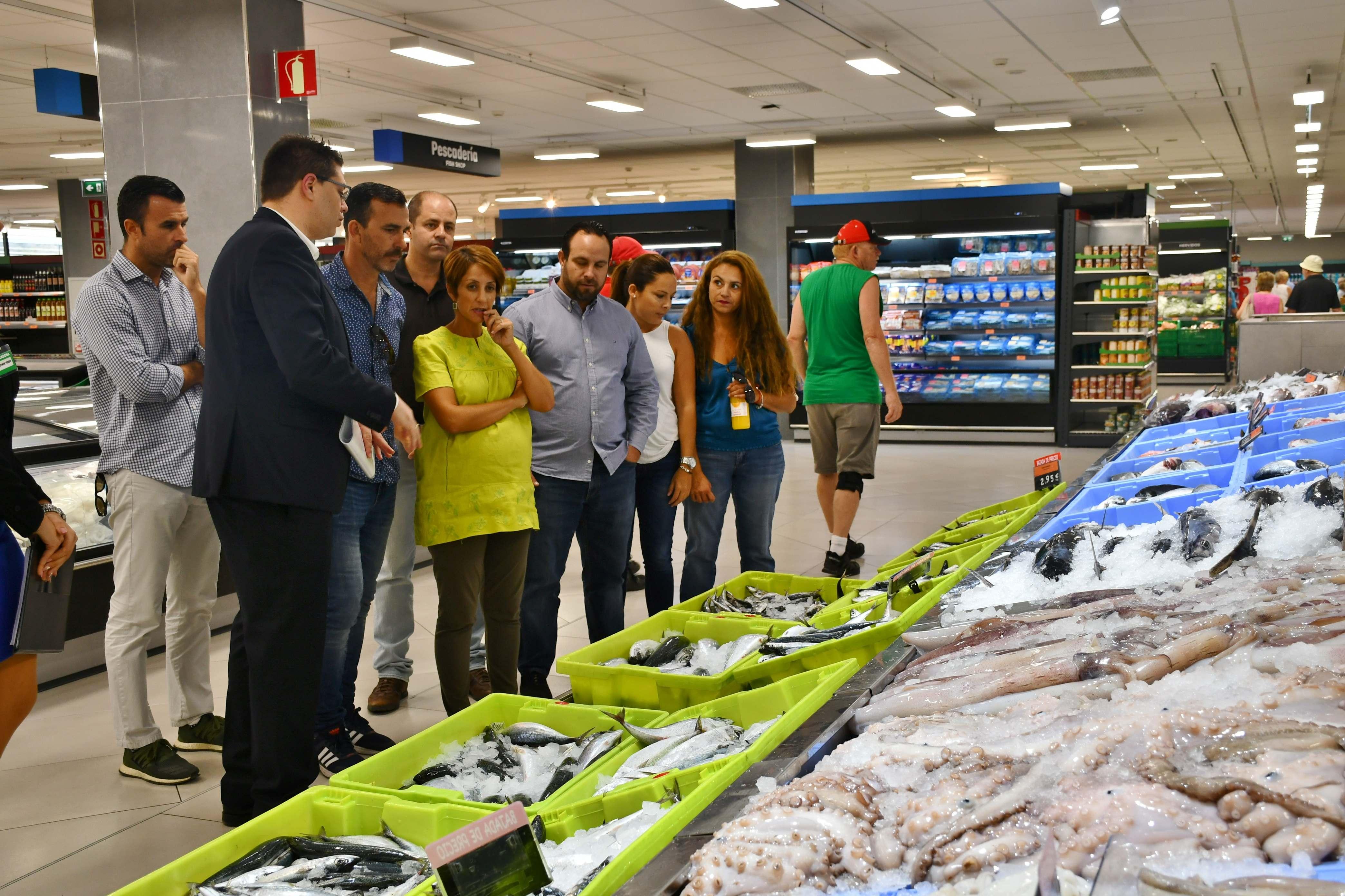 El grupo de gobierno de Mogán visita el supermercado Mercadona recién inaugurado en Puerto Rico