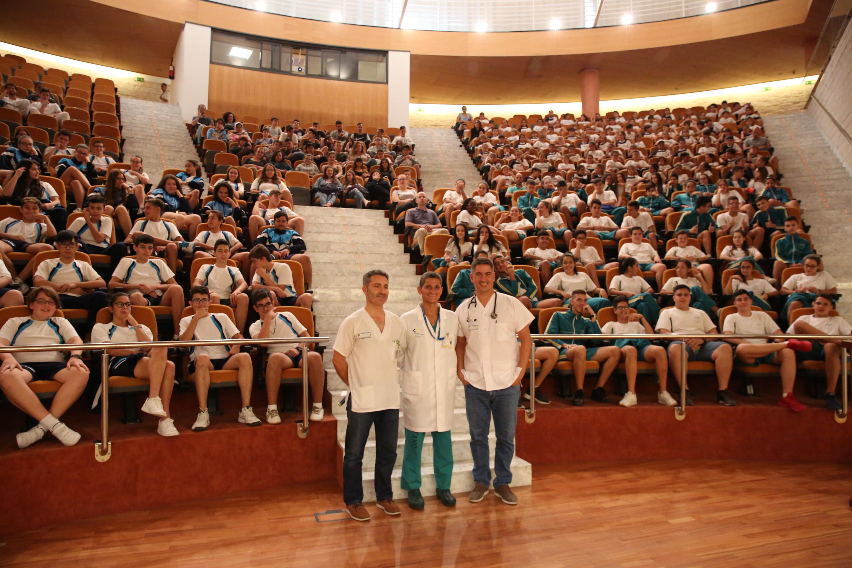 El Hospital Dr. Negrín forma a más de 250 estudiantes de Secundaria en los efectos nocivos del tabaco