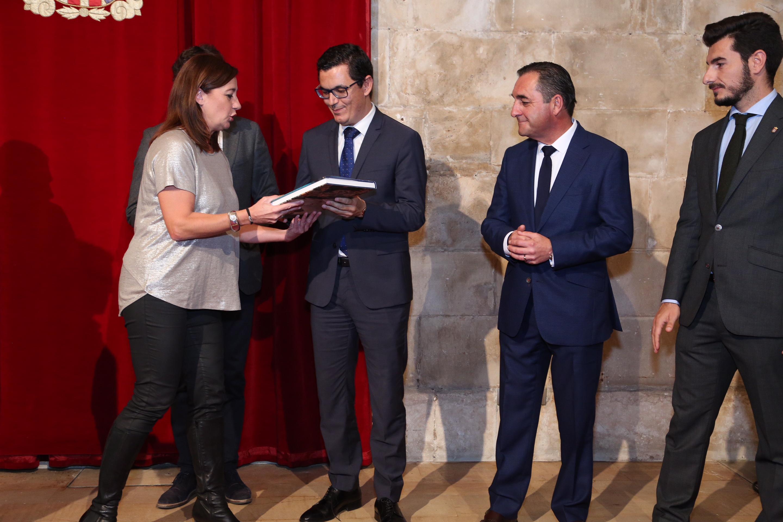Pablo Rodríguez promoverá en Baleares un frente común para abaratar los billetes entre los archipiélagos y la Península