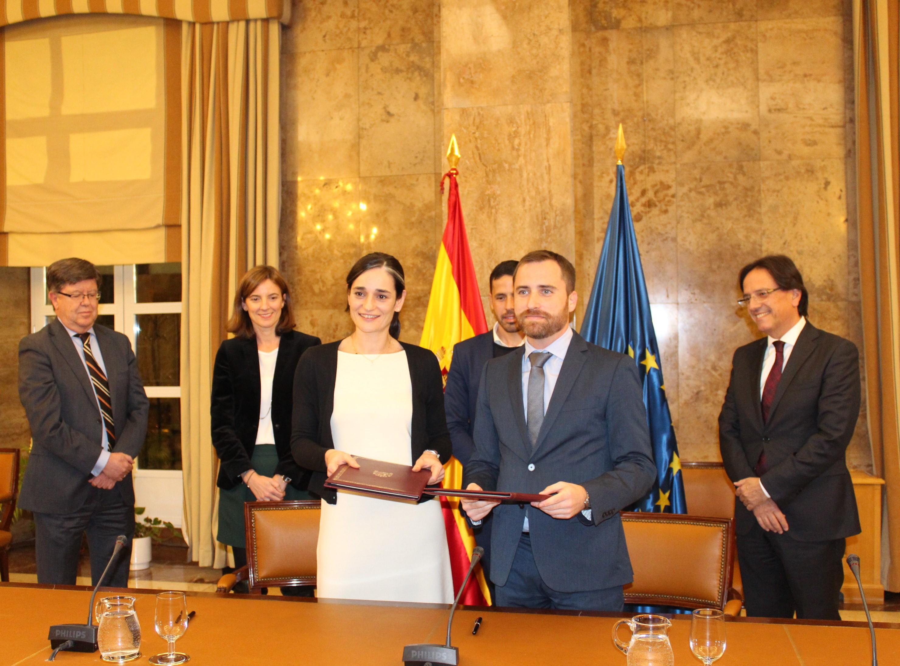 El MAPAMA firma con el Gobierno de Canarias un convenio para realizar nuevas actuaciones de mejora en sus costas por importe de 6 millones de euros