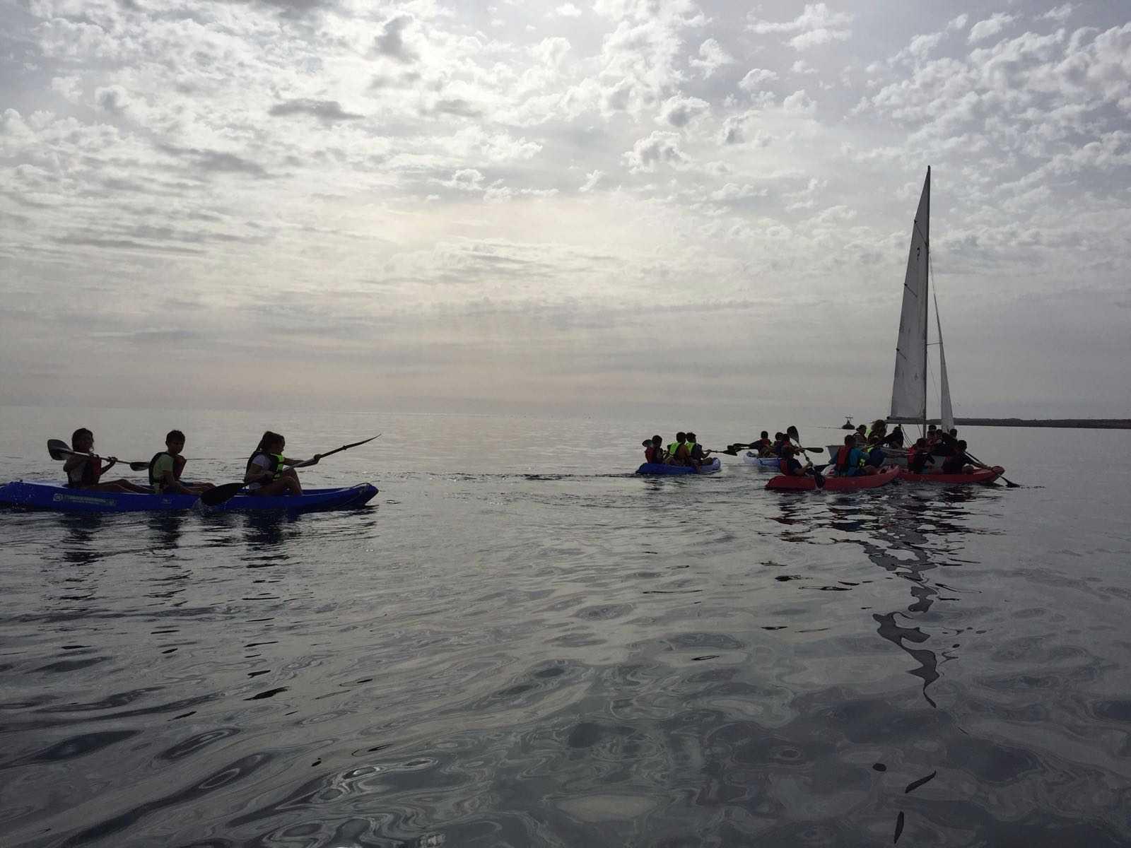 35 personas se iniciaron en los deportes náuticos gracias a la campaña 'Estaciones y Deportes' del Cabildo de Fuerteventura