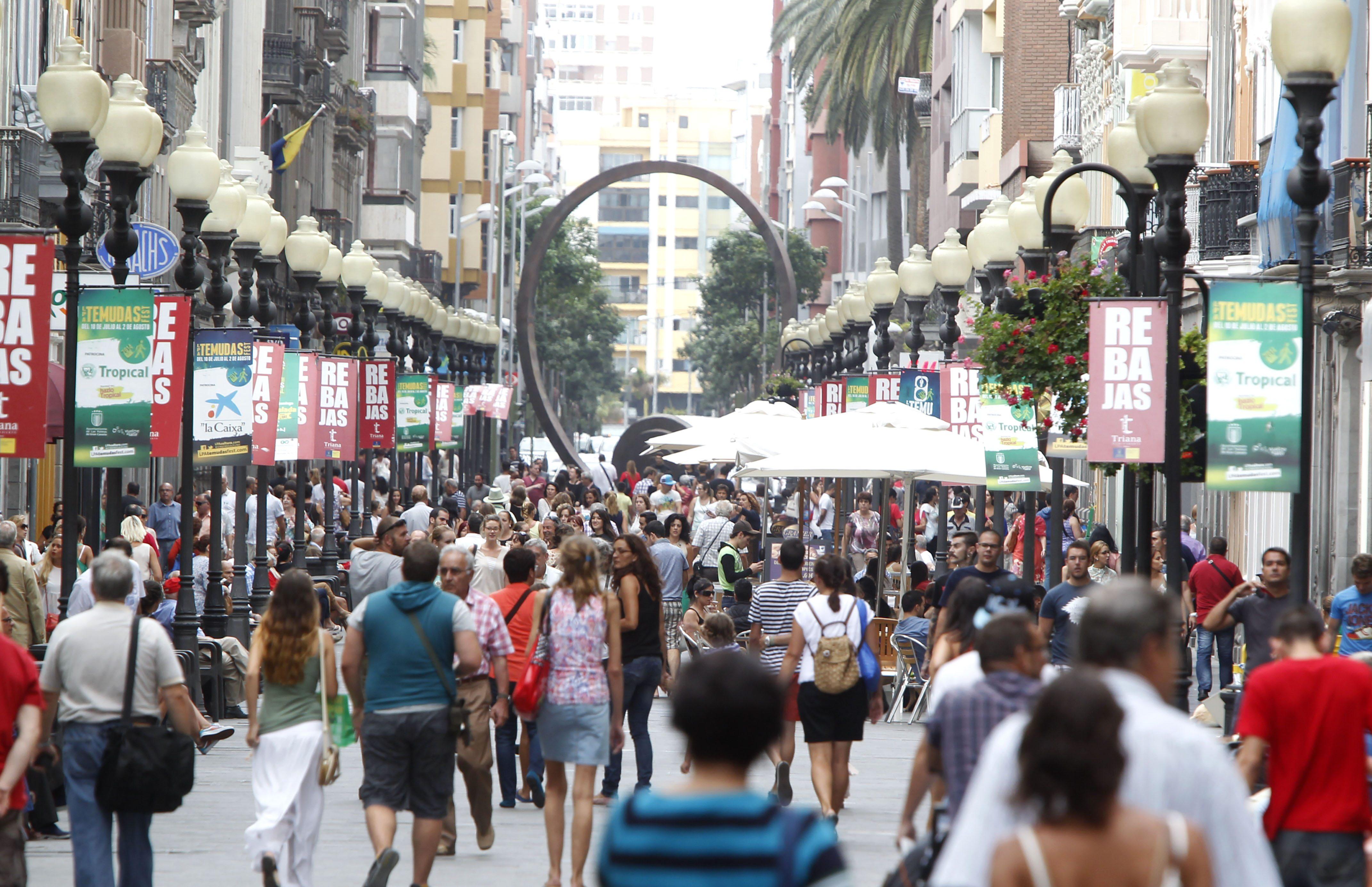 CCOO rechaza liberalizar la apertura del comercio en Canarias realizada por directivos de grandes empresas