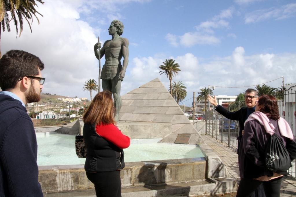 La Casa-Museo León y Castillo organiza un recorrido guiado por las esculturas del Parque de Arnao, en Telde