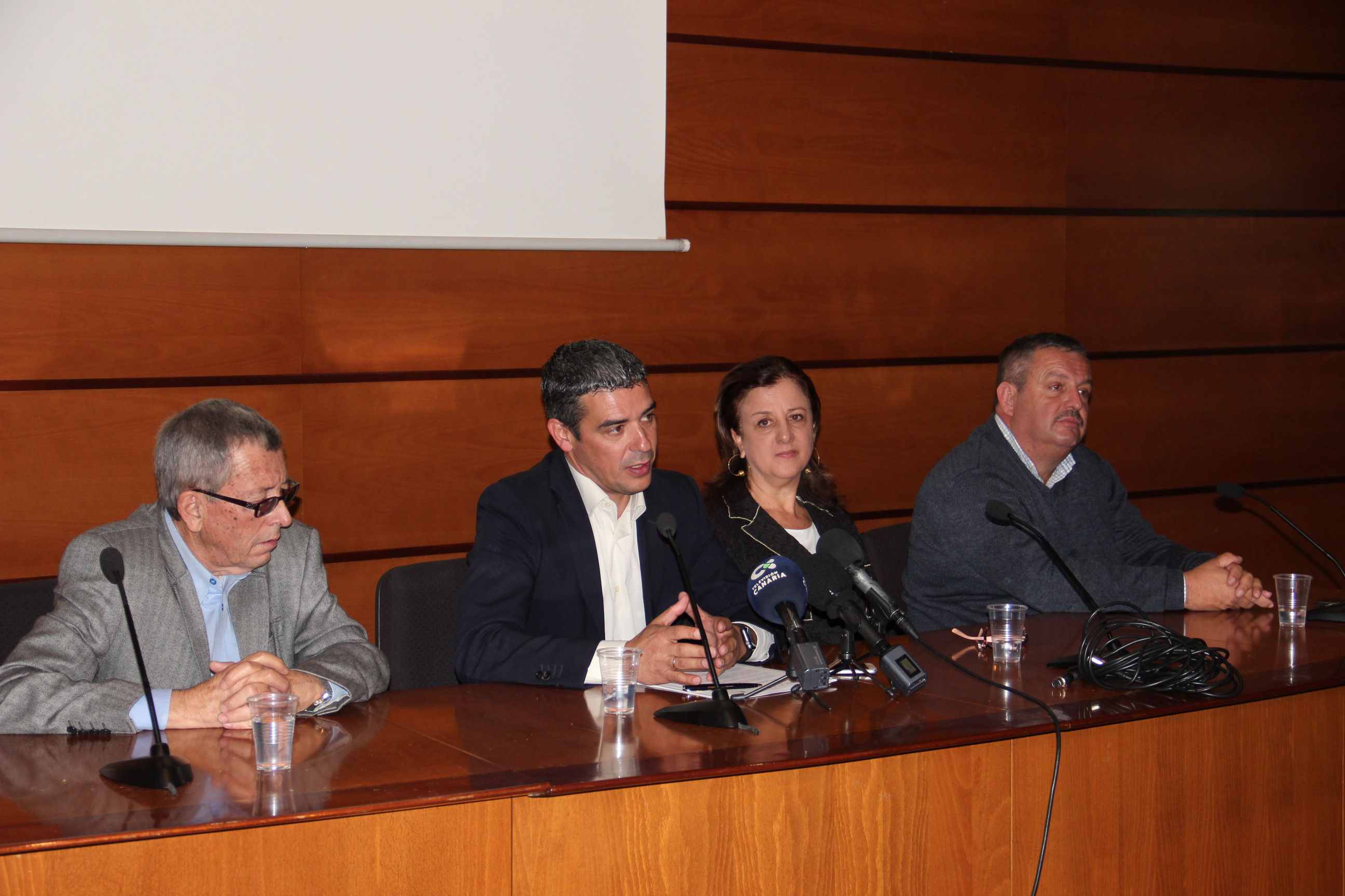 Narvay Quintero anuncia que convocará este mes las ayudas del POSEI adicional de 2011
