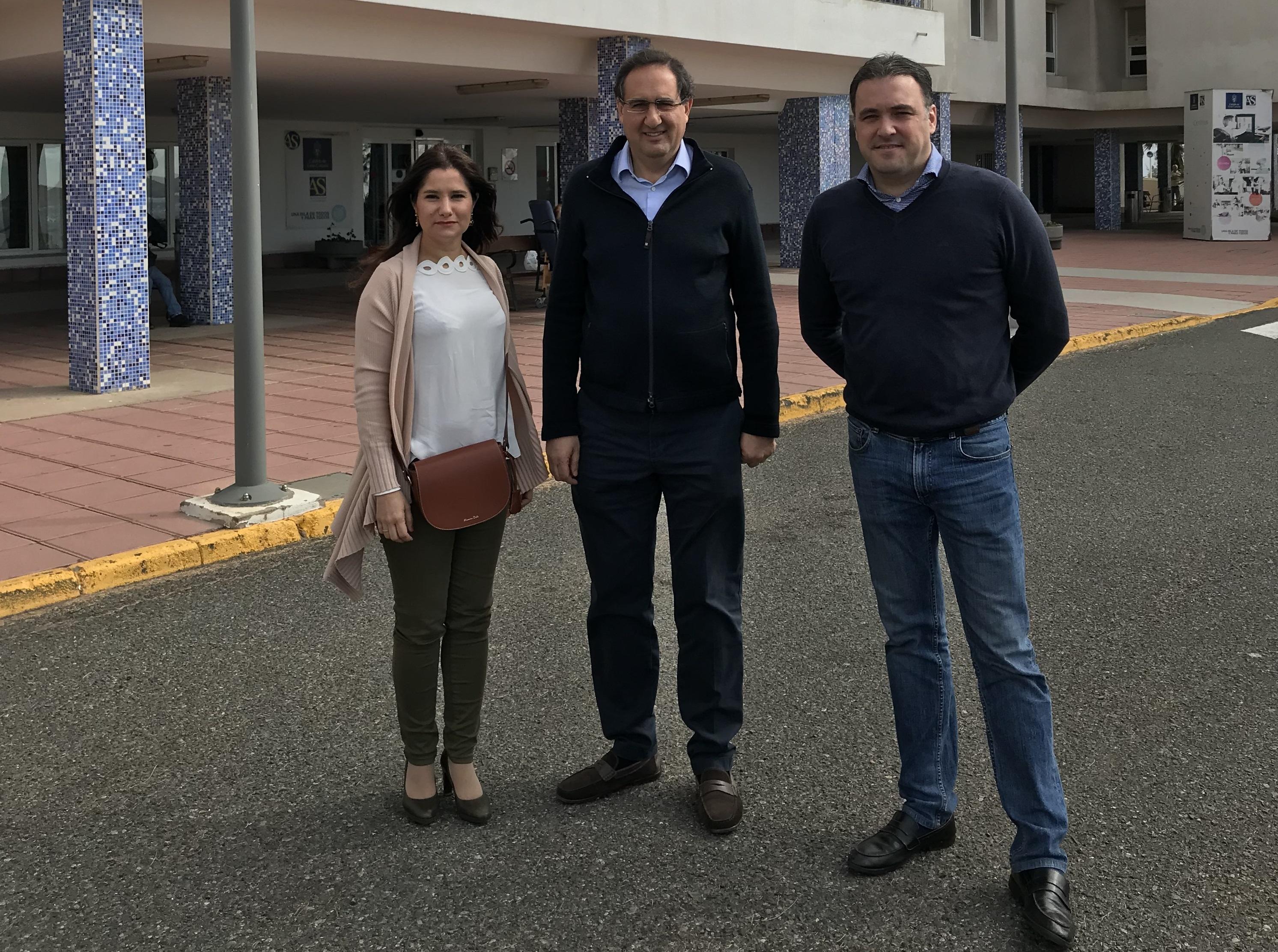 Felipe Afonso El Jaber, y los consejeros Carlos Ester y Aurora del Rosario,