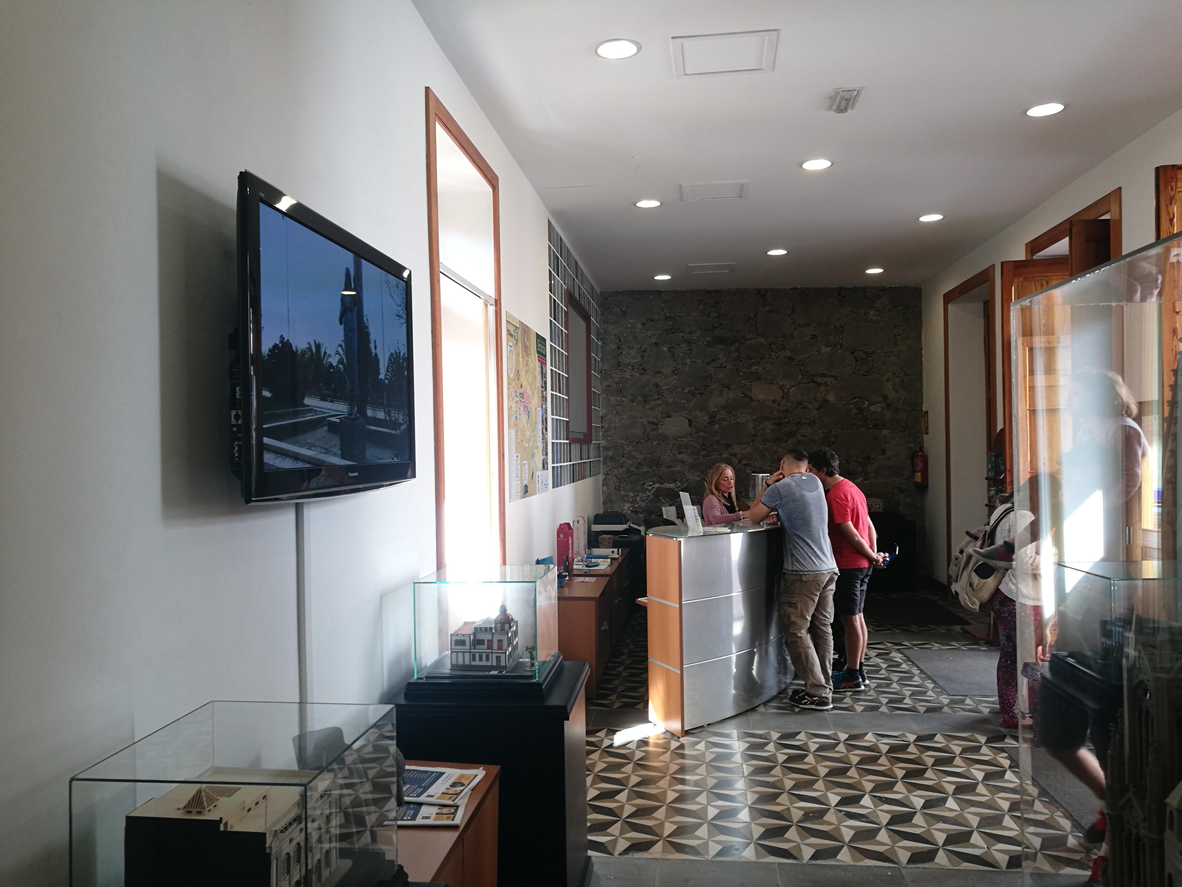 La oficina de turismo de arucas registra un 15 m s de for Oficina de turismo gran canaria