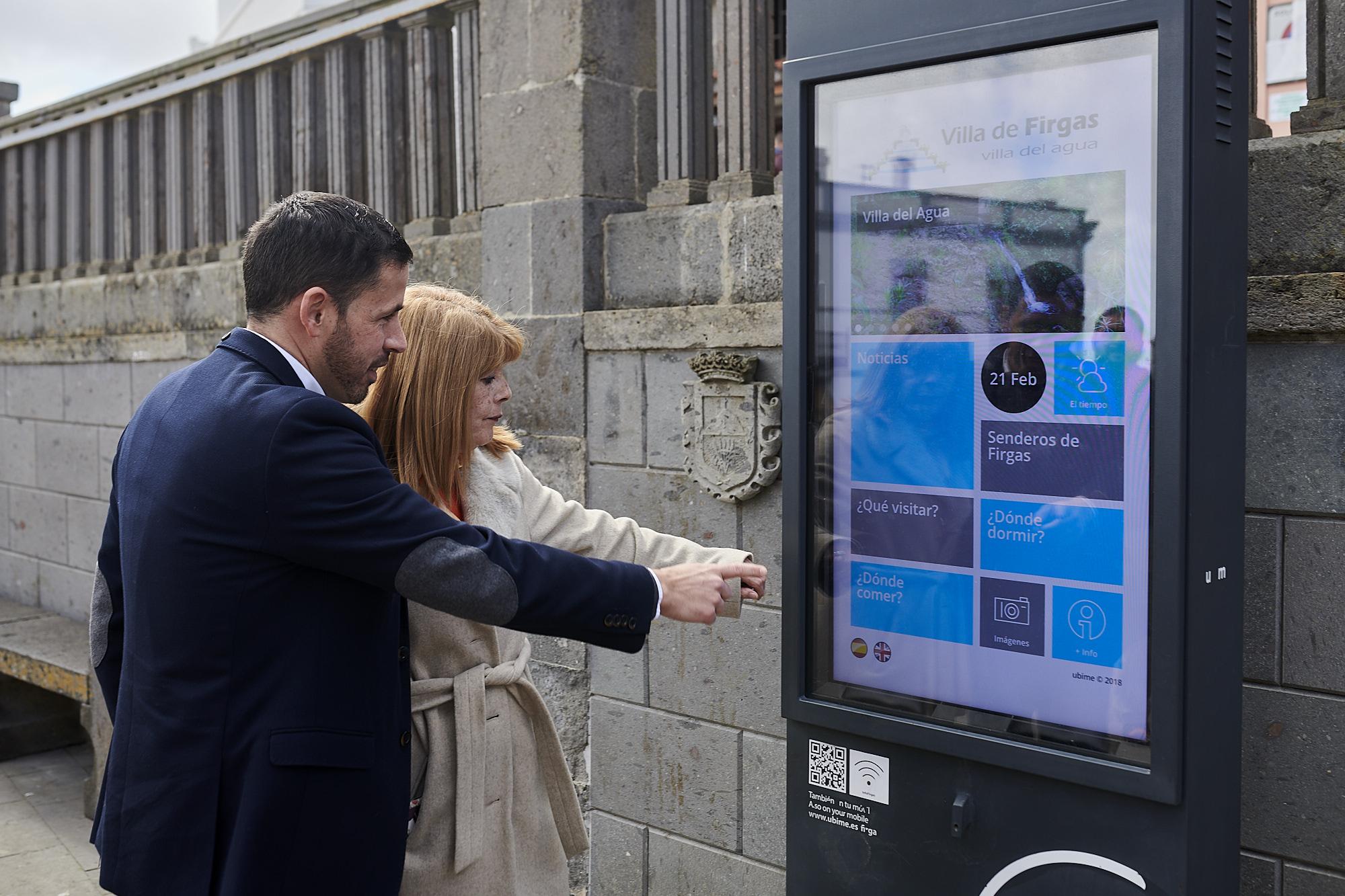 Turismo desarrolla la nueva señalización turística de Firgas