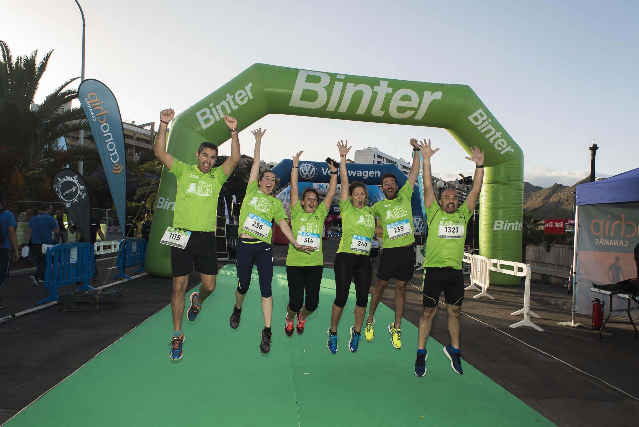 La Binter NightRun de Santa Cruz crea la categoría 'Empresas' para correr en equipo