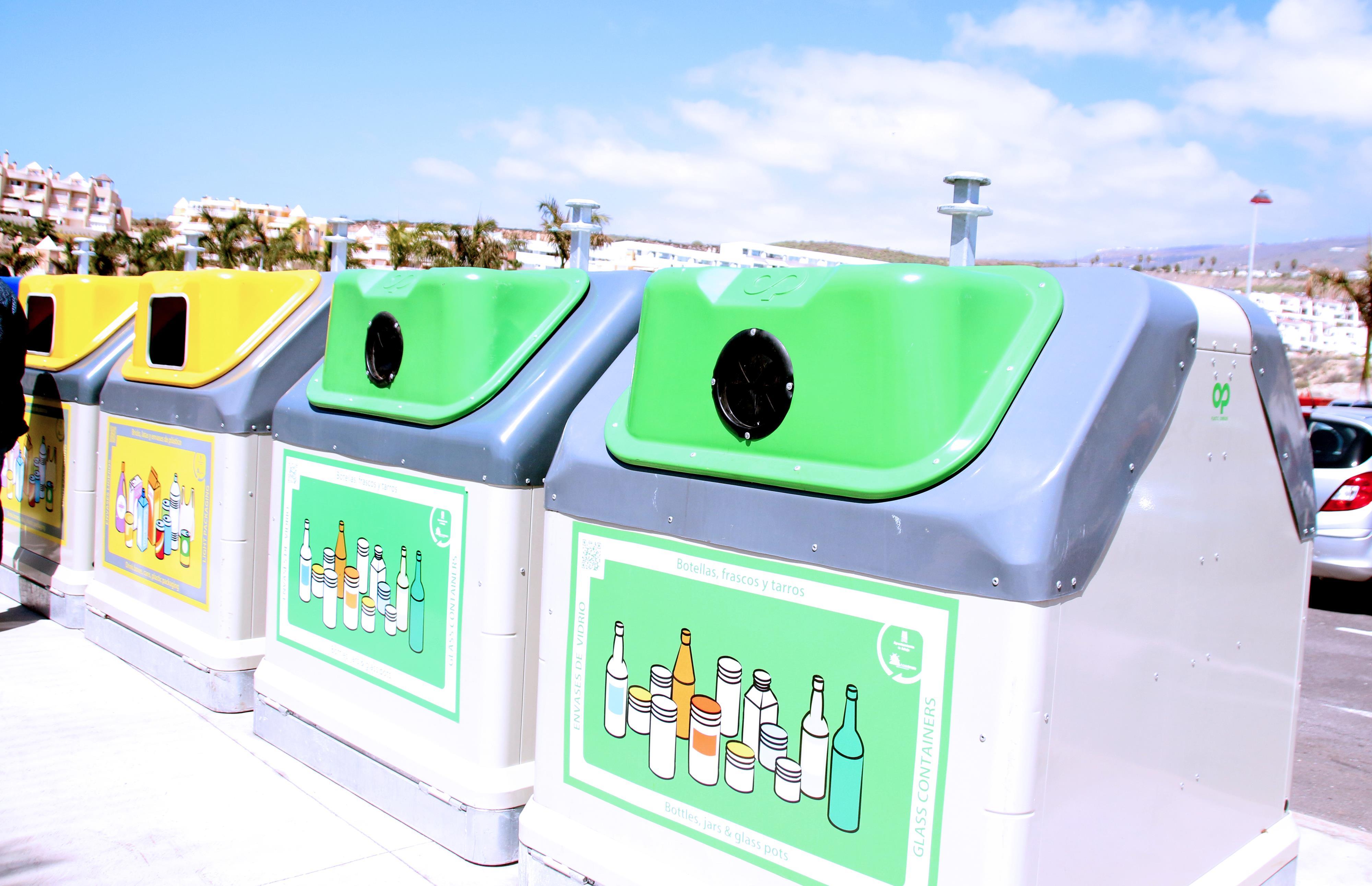 La Caleta cuenta con un nuevo sistema de recogida de residuos único en Adeje