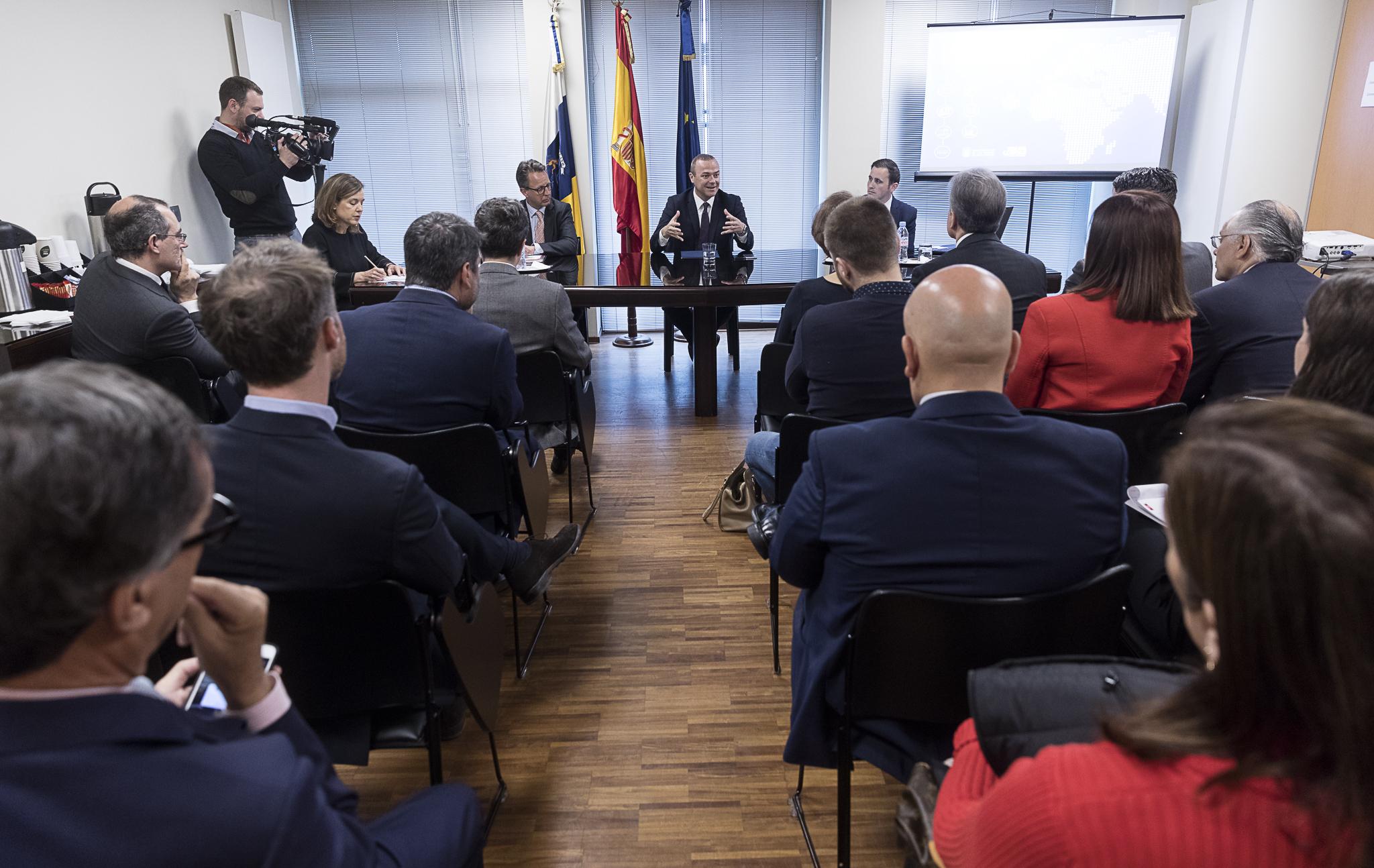 Augusto Hidalgo presenta en Bruselas a Las Palmas de Gran Canaria como capital de inversiones y negocios