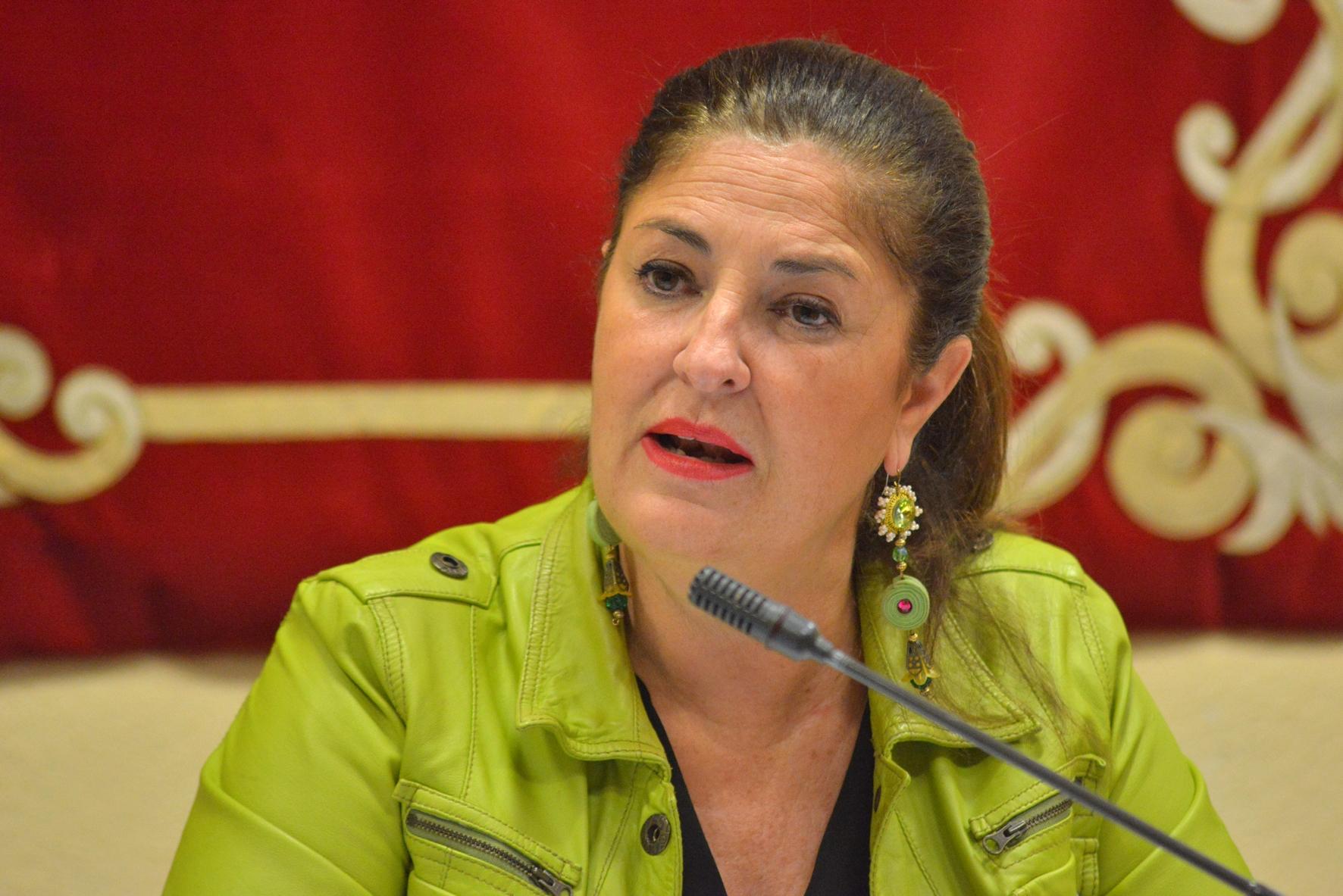 """Belén Allende: El Hierro no tolerará ser la """"papelera de reciclaje"""" de la conectividad de Canarias"""