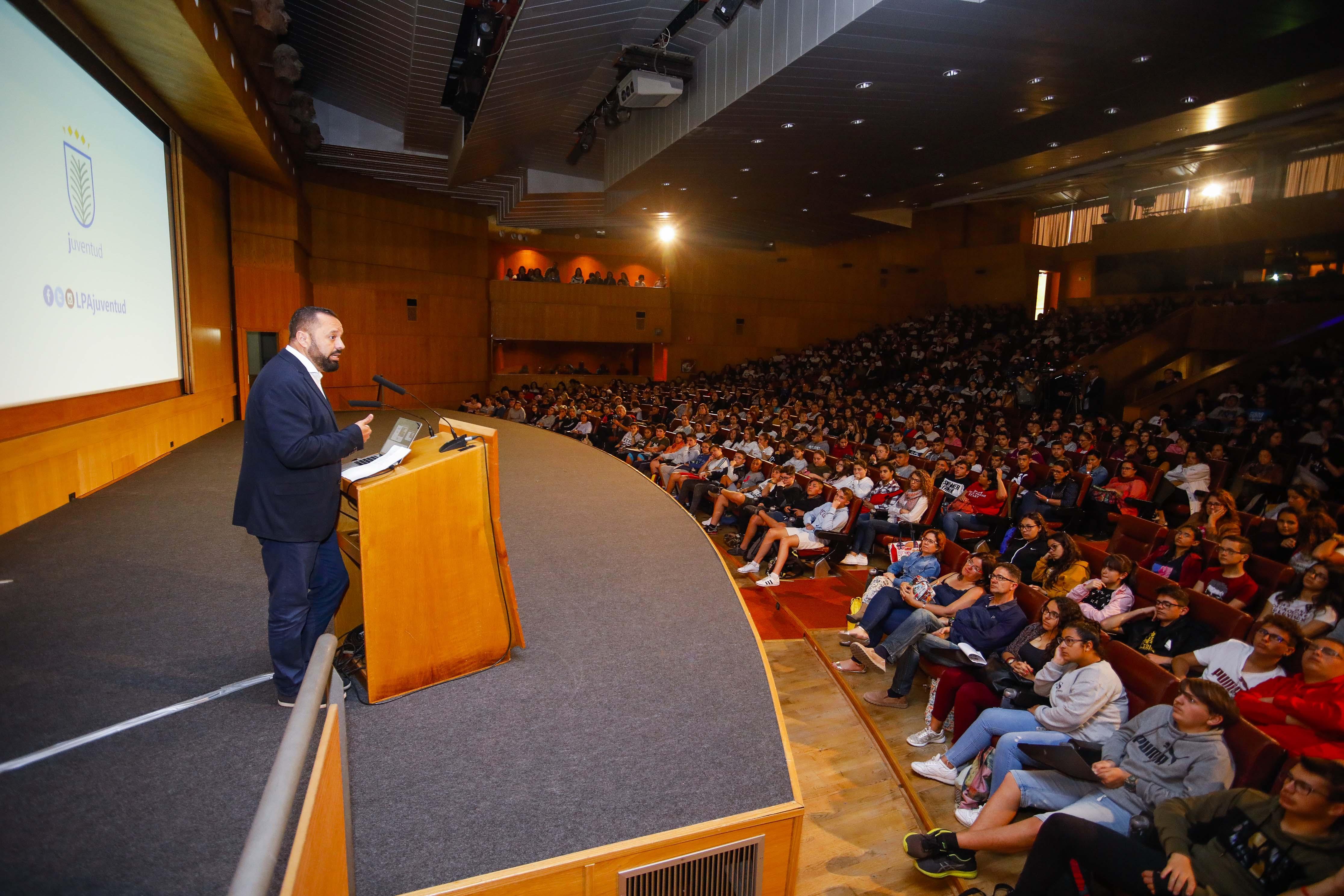 El mejor maestro de España imparte una charla en Las Palmas de Gran Canaria sobre el acoso escolar