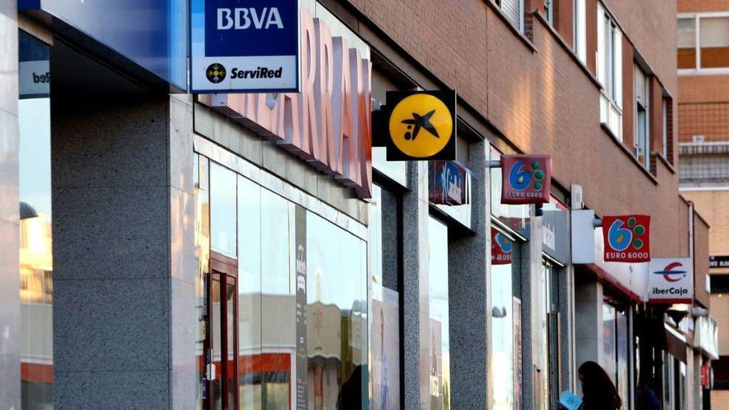 Los grandes bancos seguirán cerrando oficinas en Canarias, prevé Cajasiete