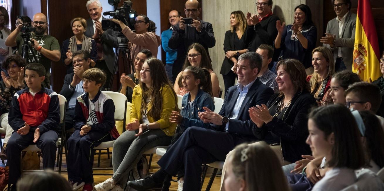Los escolares trasladan al presidente su experiencia en el programa 'La Escuela Canaria Conecta'
