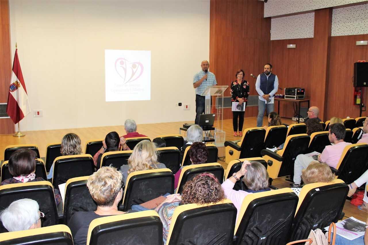 Granadilla promueve la importancia de la información y del apoyo familiar en una jornada sobre fibromialgia