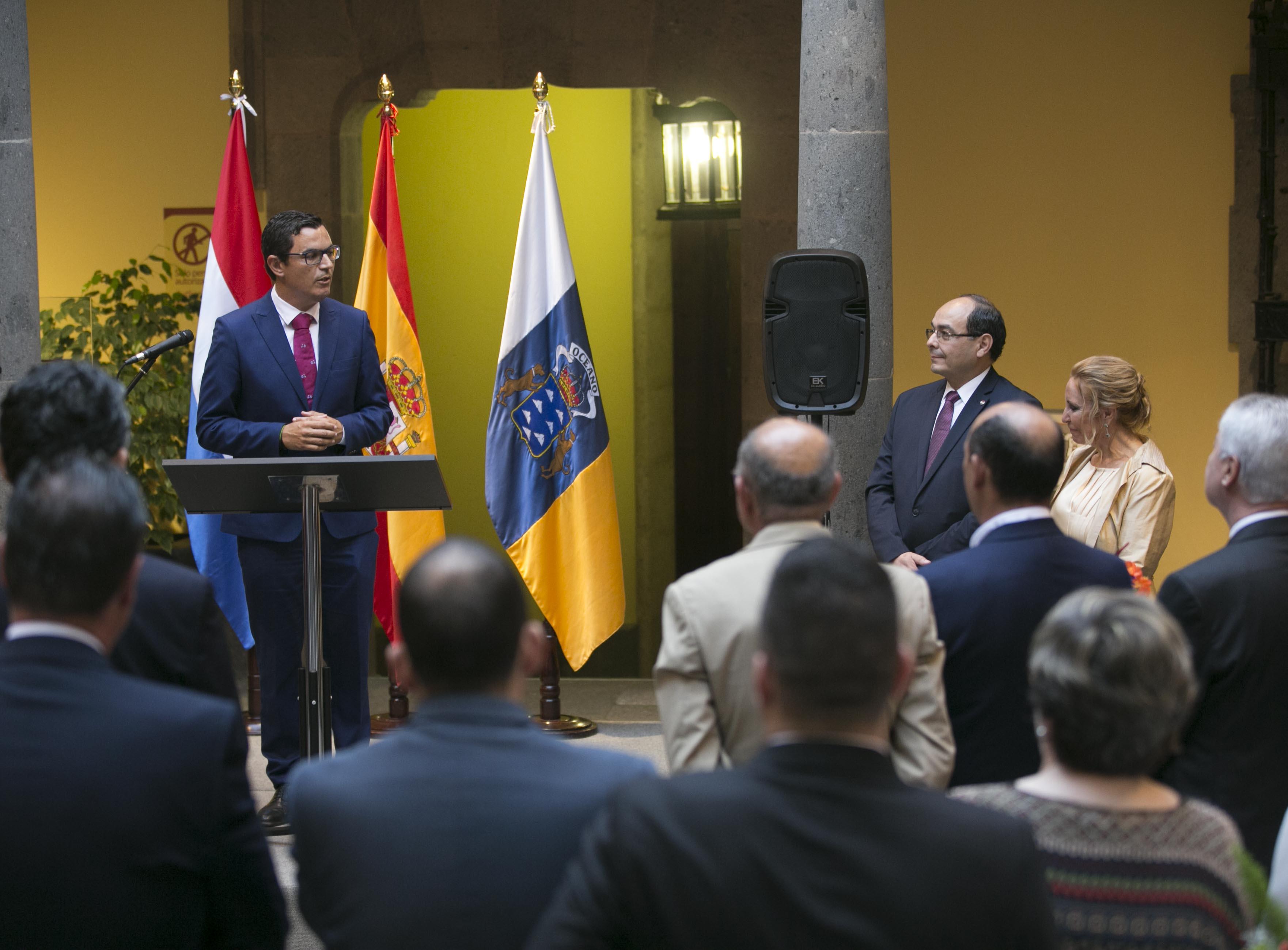 Rodríguez asistió al nombramiento de la cónsul honoraria de Paraguay en Canarias