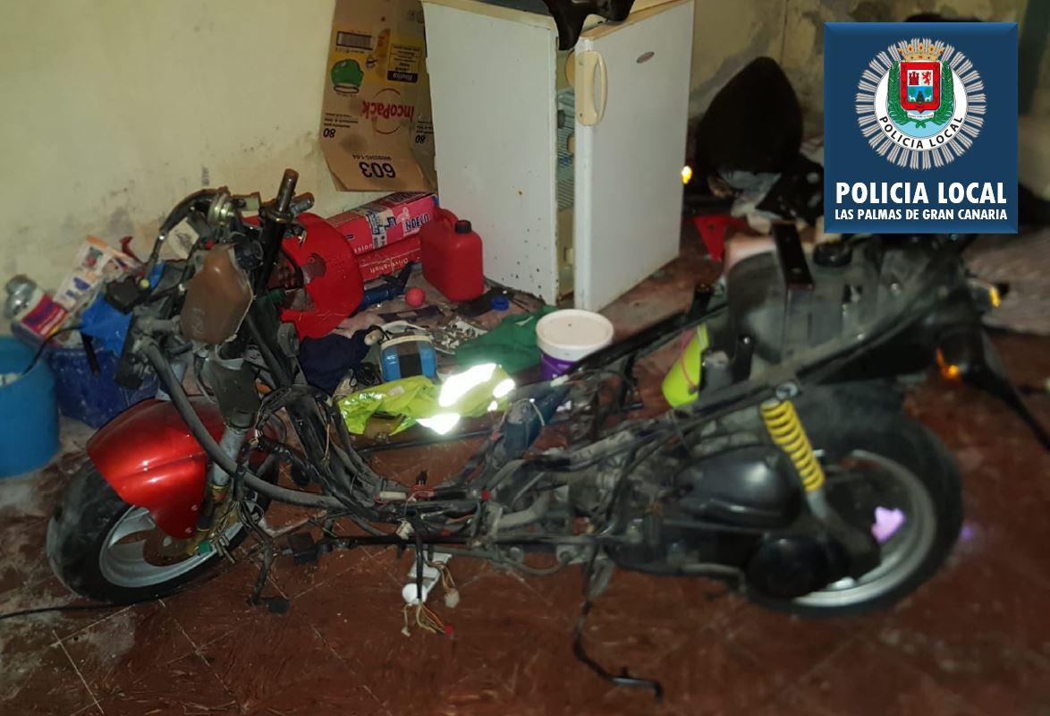 La Policía Local de Las Palmas de Gran Canaria detiene a un hombre por violencia de género