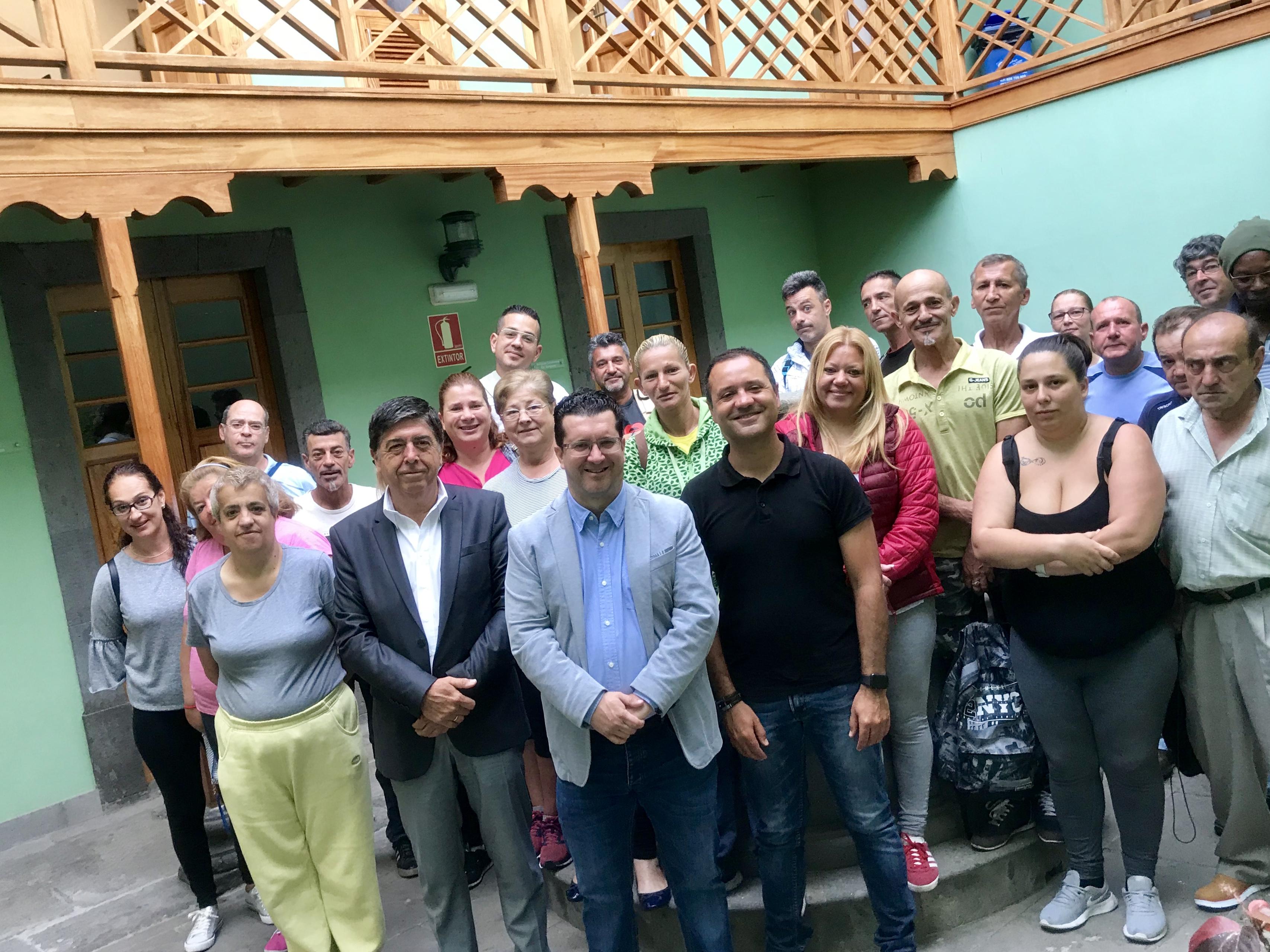 Un grupo de 25 personas de Arucas inicia su contratación a través del Plan de Empleo para Familias sin Recursos del Cabildo