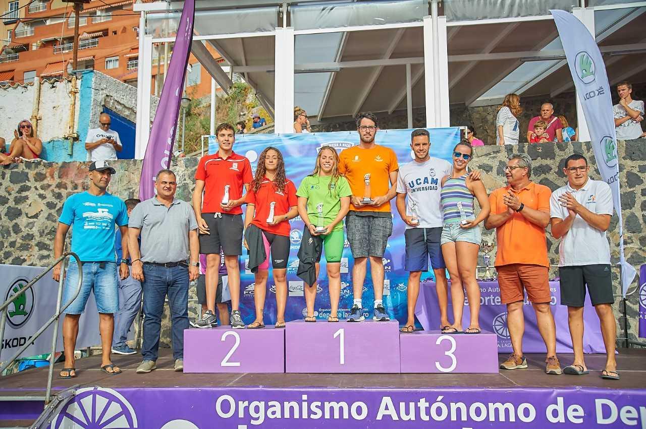 José Víctor García y Erika Rivero ganan la XV Travesía a Nado Bajamar-Punta del Hidalgo