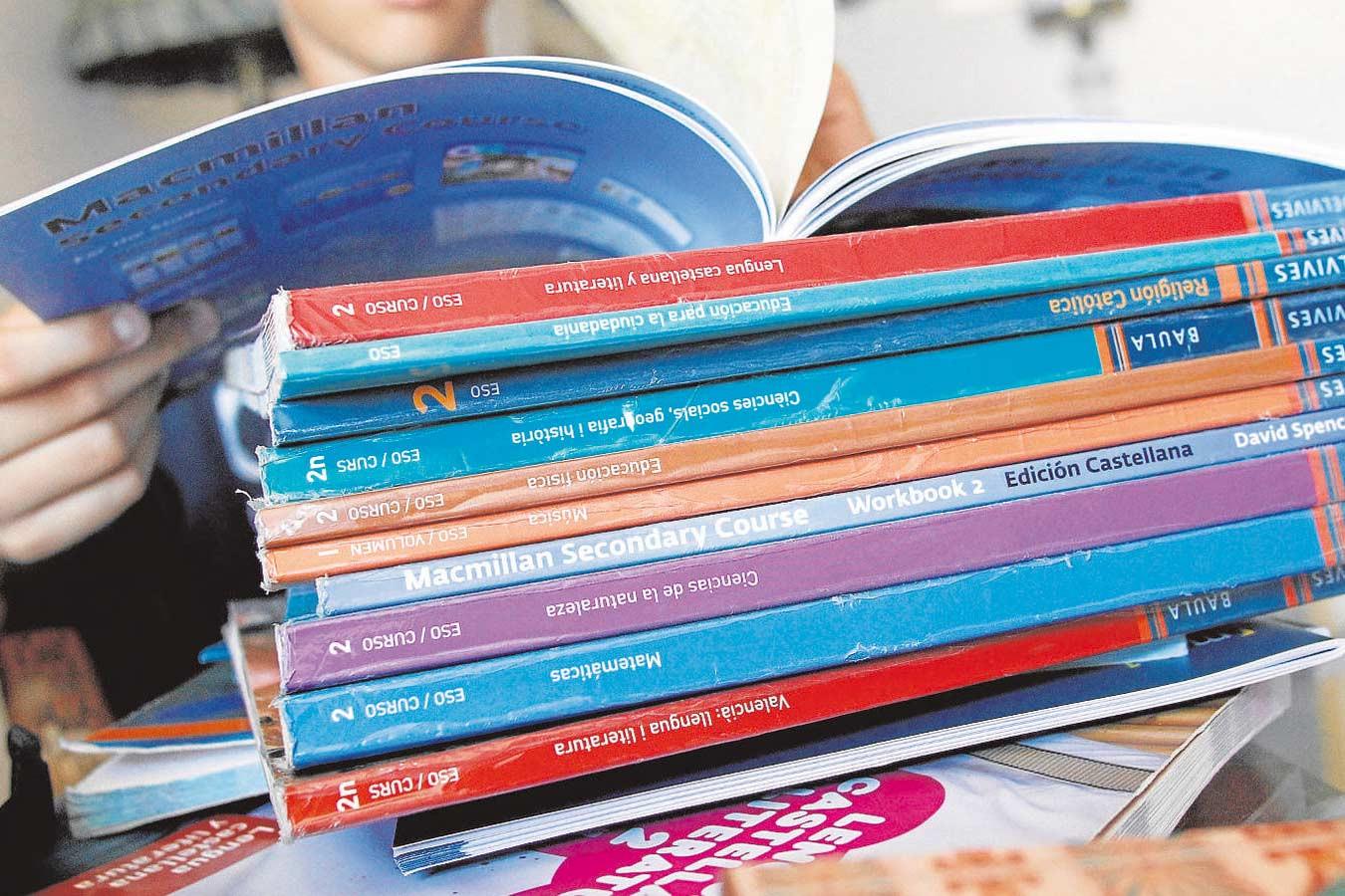 El programa de libros gratuitos alcanzará a casi 40.000 alumnos sólo en Infantil y Primaria