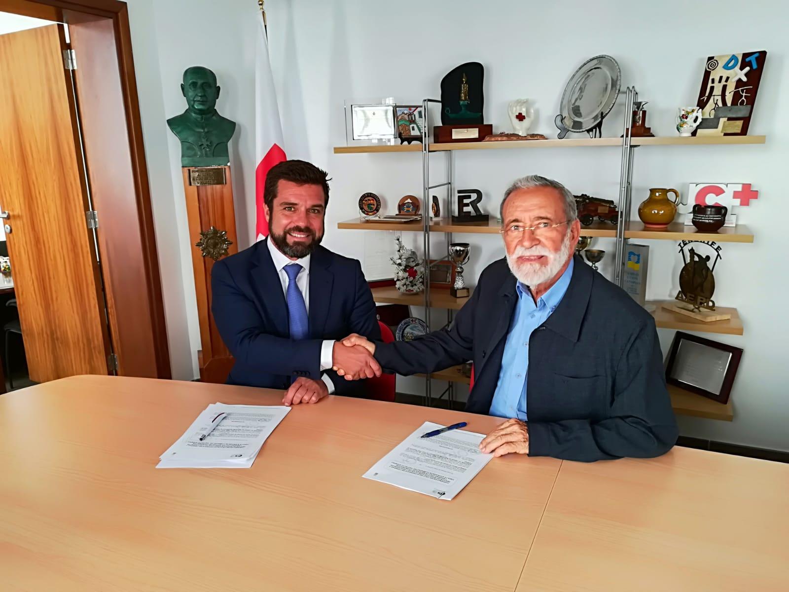 1-1-2 Canarias y Cruz Roja firman un convenio para mejorar la atención a las usuarias víctimas de violencia de género