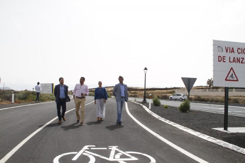 El Gobierno de Canarias acondiciona un nuevo tramo del proyecto global 'Vía Ciclista Lanzarote'