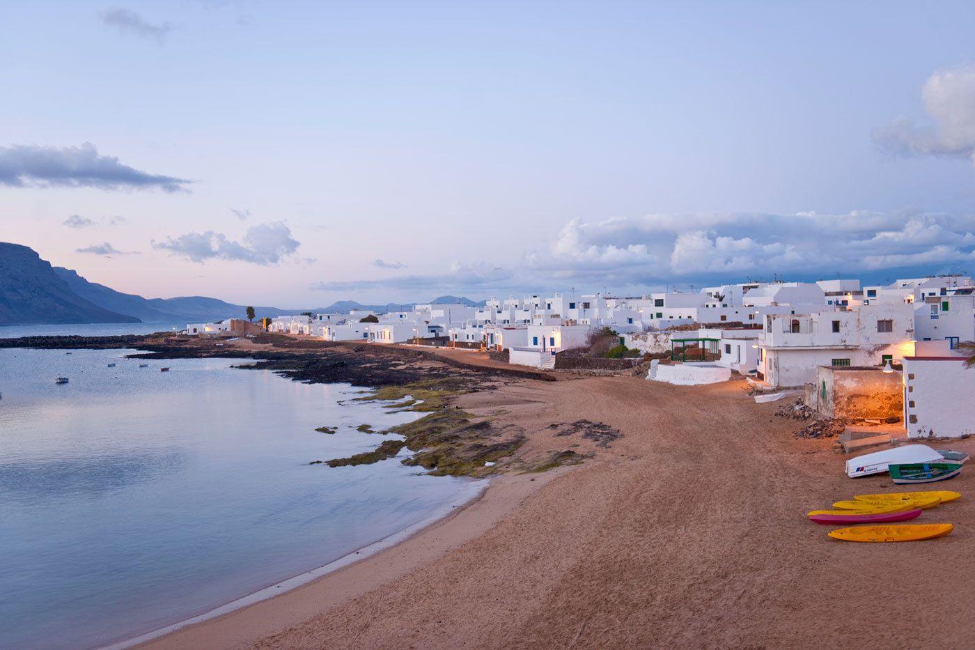 Ashotel pide las competencias en costas para el Gobierno de Canarias