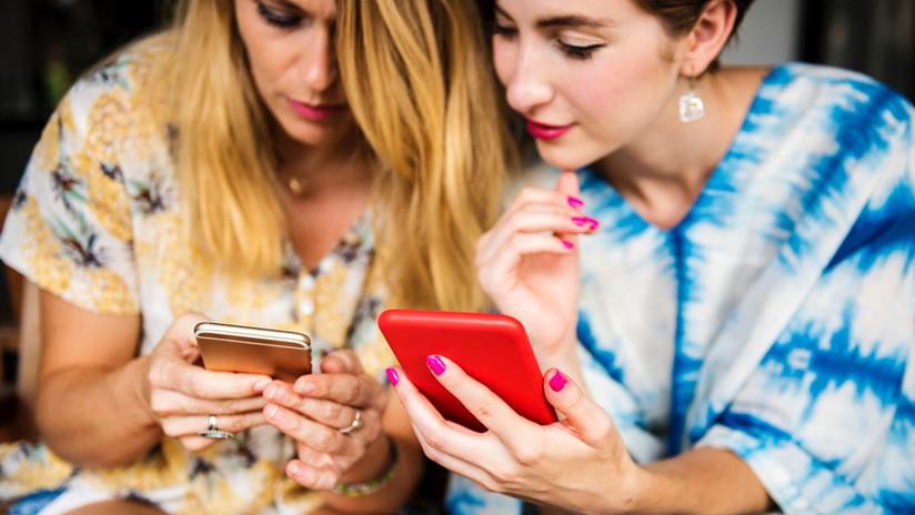Más de 235.000 canarios reconocen ser adictos al móvil