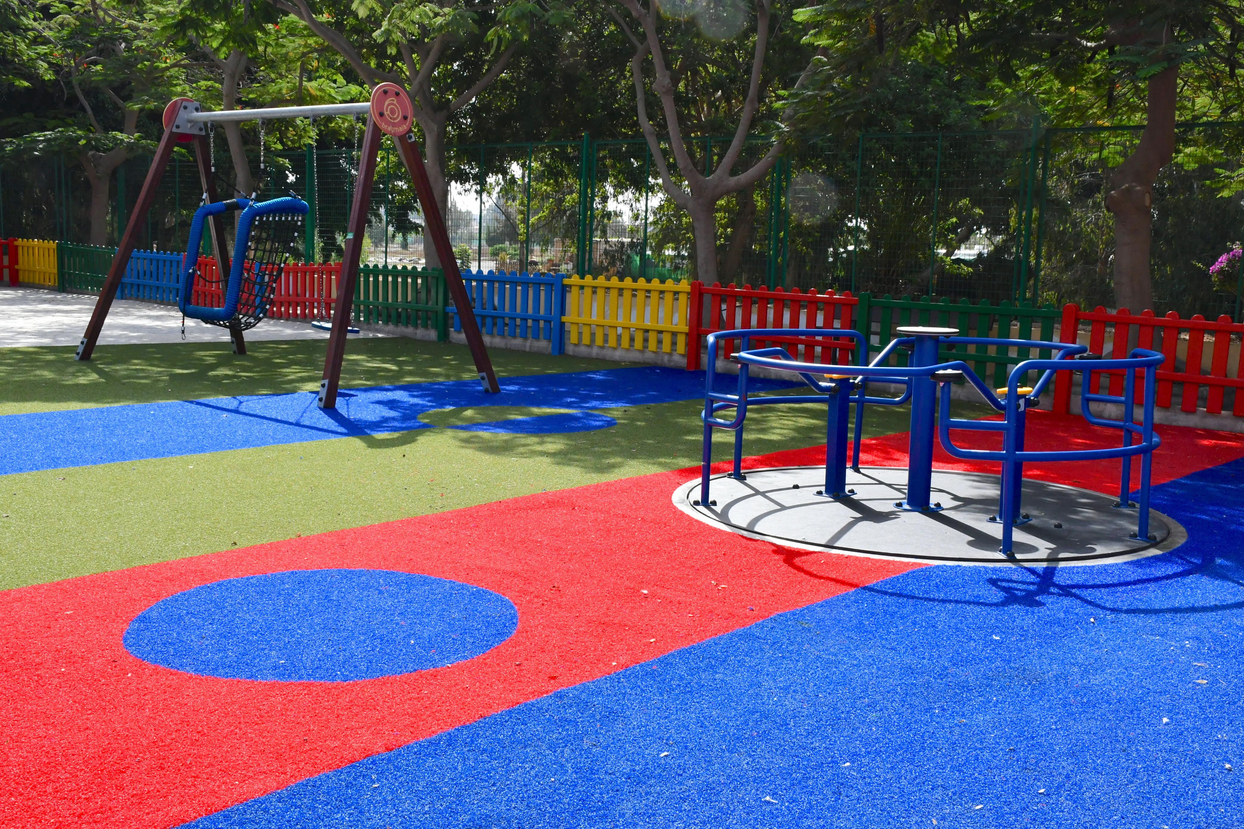 Los parques infantiles de Mogán cuentan con juegos adaptados para personas con movilidad reducida