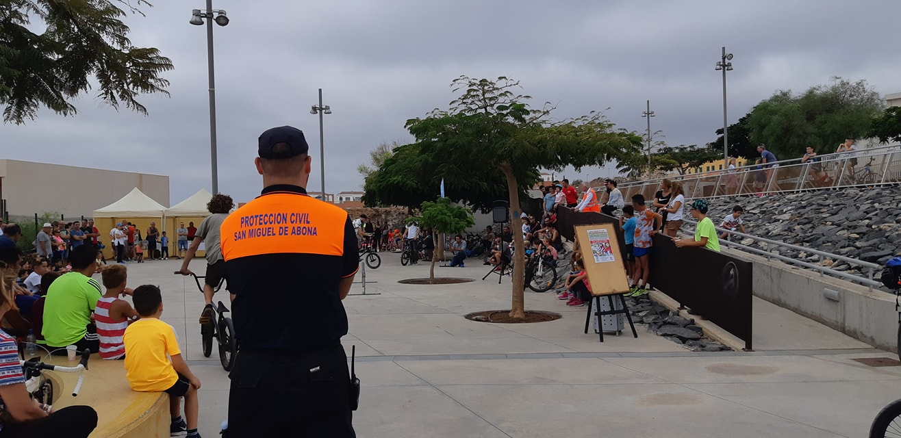 Un centenar de niños y niñas de San Miguel de Abona participan en el Día Familiar de la Bicicleta