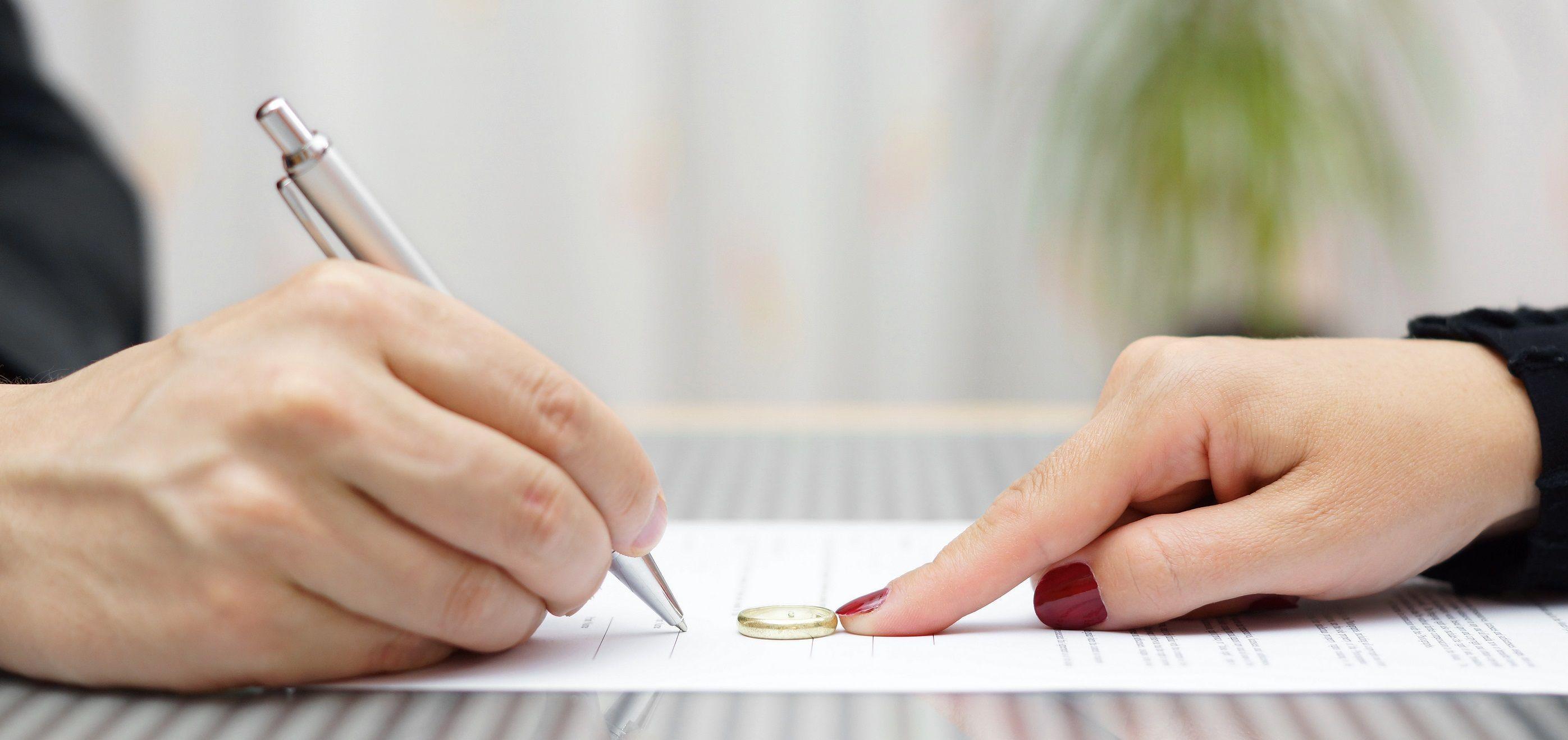 Los canarios, los que más se divorciaron en España en 2017