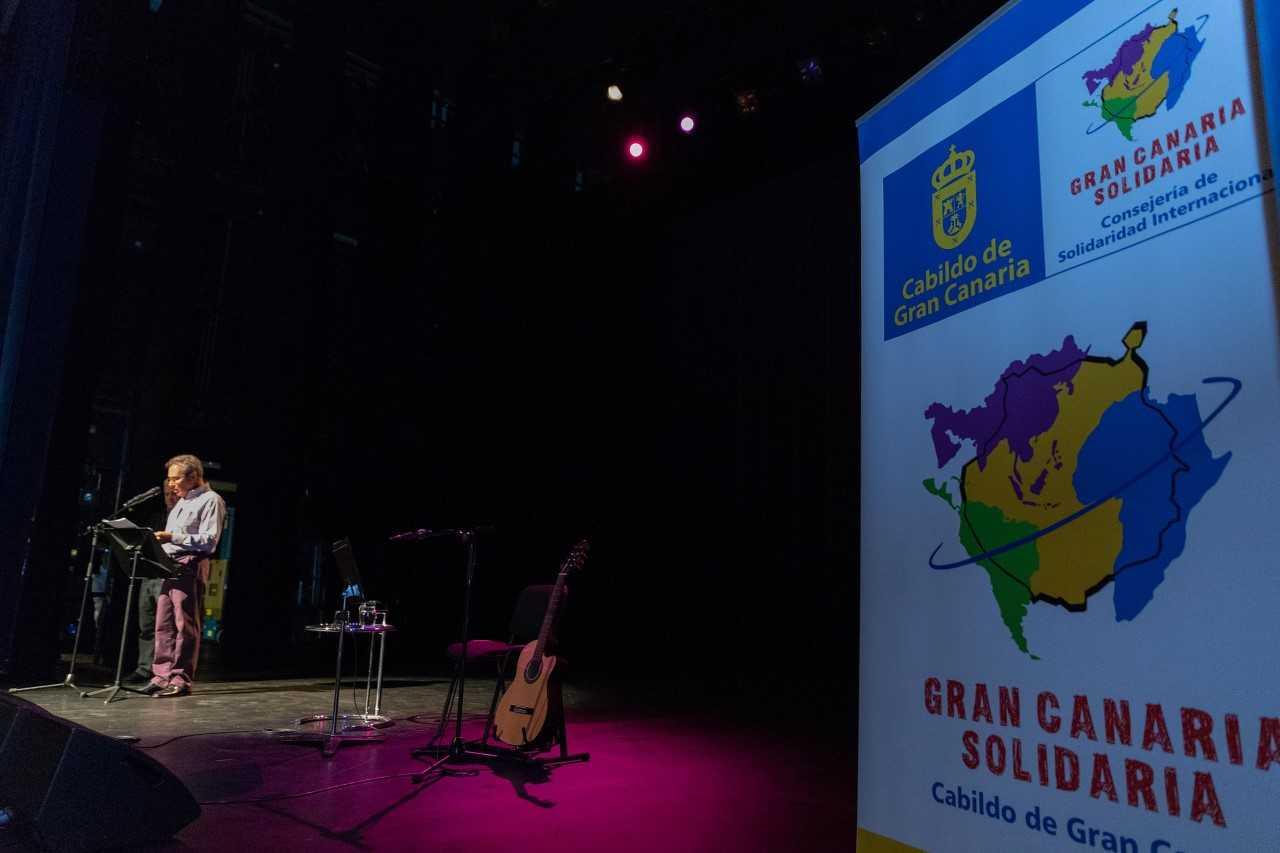 Hacen un llamamiento a la paz a través de los poemas de Pedro Lezcano en la voz de Olga Manzano y Tabaré Picón