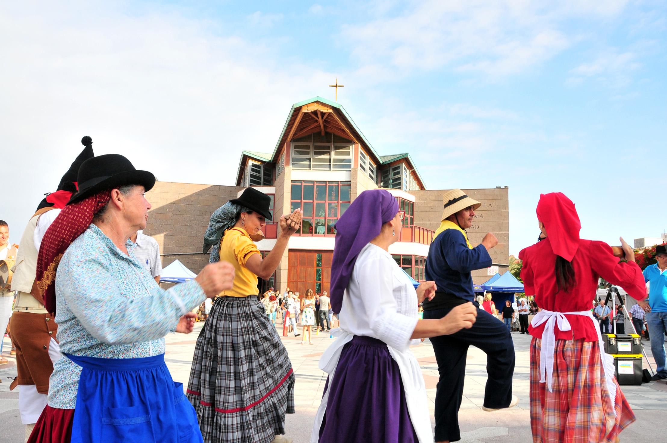 La Plaza de El Tablero acoge el I Encuentro de Bailadores Tradicionales